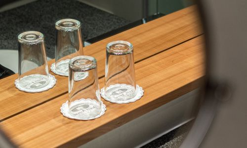 Water glasses in the superior room | Hotel Adler Asperg near Ludwigsburg